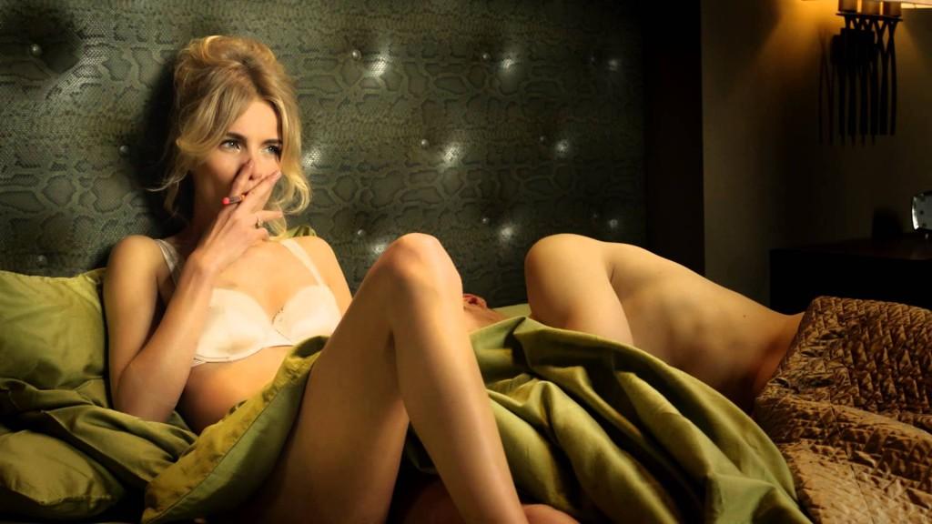 Reklama na značku Flavour Vapers s nádychom erotiky