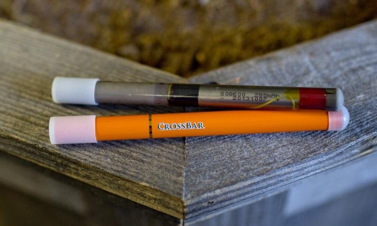 Prelom medzi šerifmi a správcami nastal, keď Precision Vapor, výrobca značky CrossBar z Lexingtonu v Kentucky predviedol na seminári svoje výrobky prispôsobené pre väzňov.